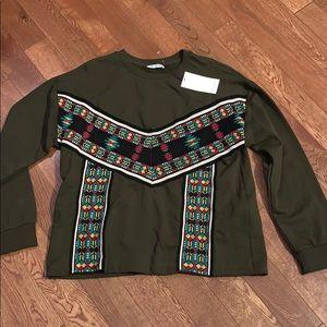 $bogo$ Zara NWT green sweatshirt Aztec design m